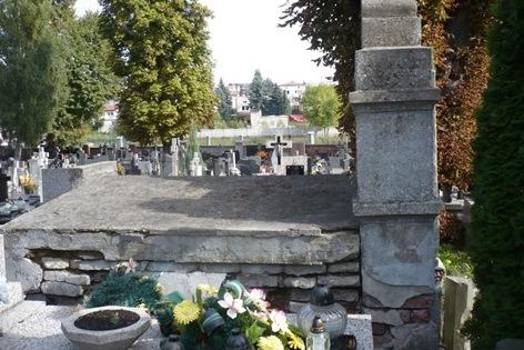 Grob do renowacji nr 10